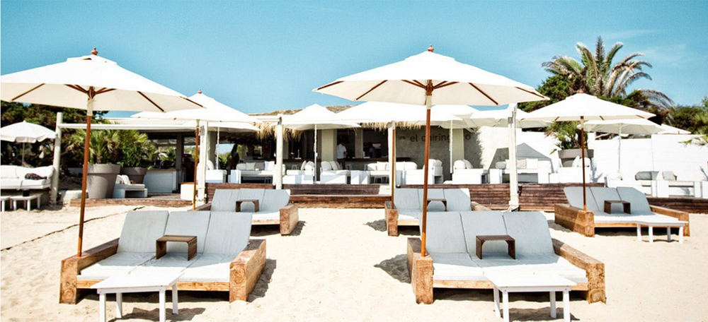 Villa is walking distance to popular beach clubs like the El Chiringuito